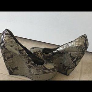 Gray metallic faux snakeskin wedge